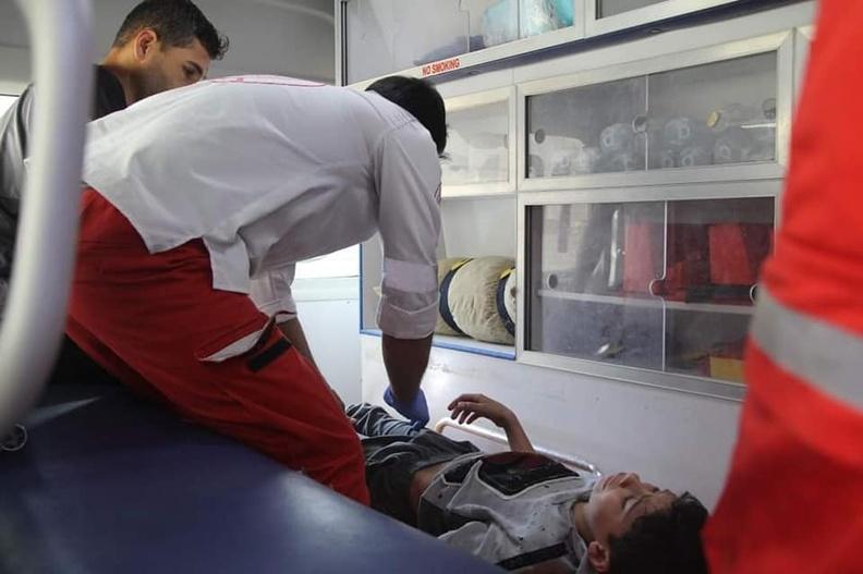 Evacuación de víctimas tras el ataque aéreo israelí en Gaza el 11 de mayo de 2021.
