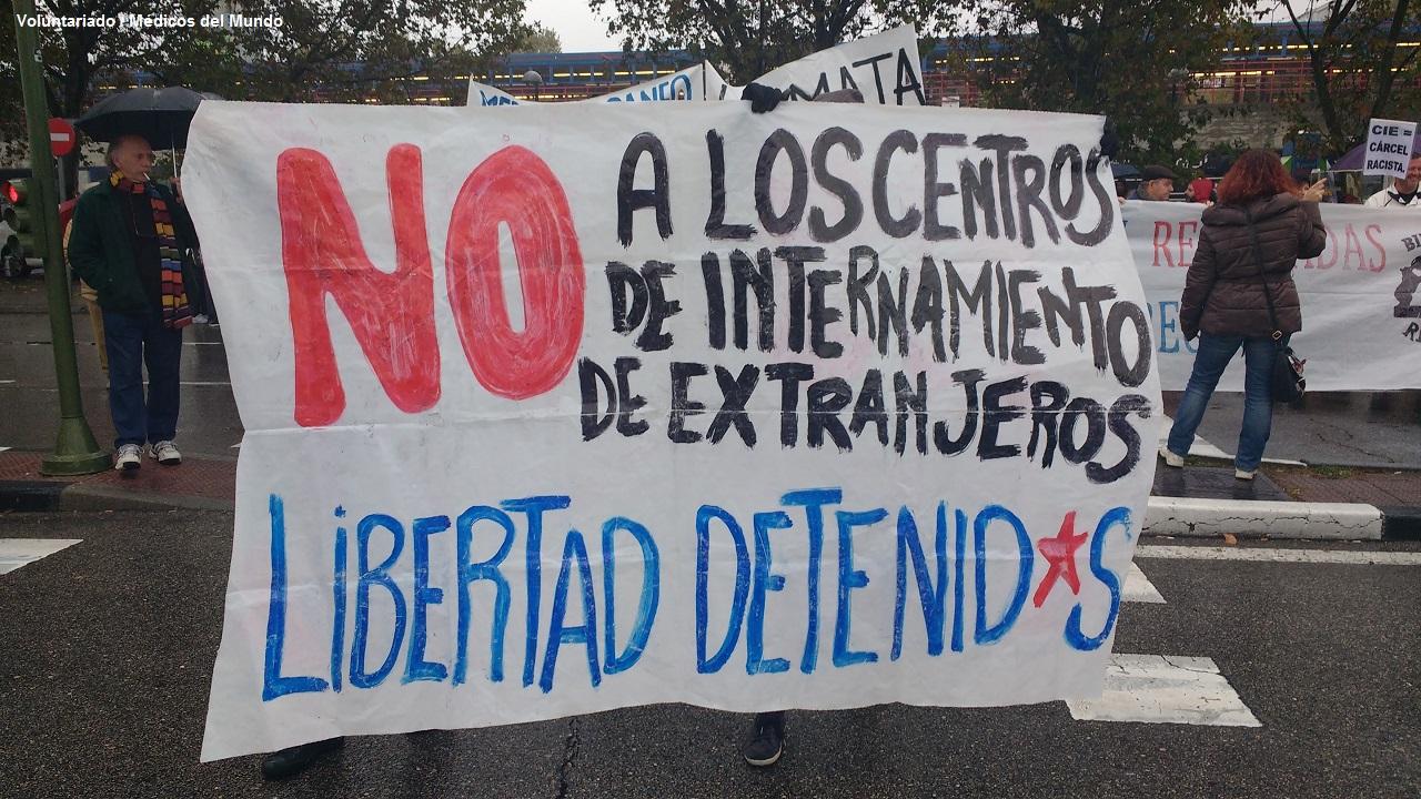 Manifestación en contra de los CIES