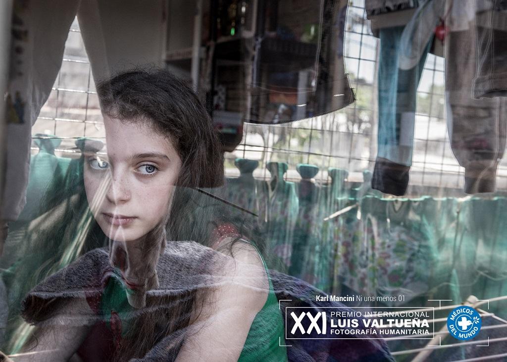 Imagen de Rivka Schiller en su casa, Su madre ha sido víctima de violencia machista.