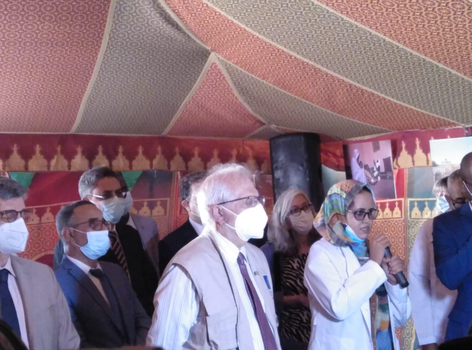 Josep Borrel junto a parte del equipo de Médicos del Mundo en Mauritana.