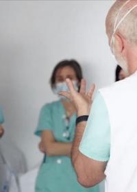 Personal de Médicos del Mundo en hospital de campaña en Madrid durante la emergencia por coronavirus
