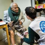 Personal de Médicos del Mundo proporciona atención sanitaria