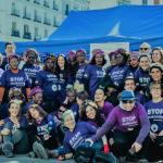 Mujeres con camiseta STOP MGF en la Puerta del Sol de Madrid.