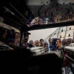 Zohra tenía 27 años cuando decidió embarcar en una patera desde Casablanca. La serie documenta su último viaje, partiendo desde Algeciras.