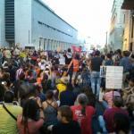 Ciudadanos y ciudadanas se manifiestan en la capital.