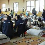Personal de Médicos del Mundo atiende a las personas afectadas en la catástrofe.
