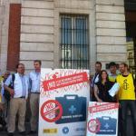 Miembros de Amnistia Internacional, Red Acoge y Médicos del Mundo en el acto celebrado en la sede de Presidencia de la Comunidad de Madrid.