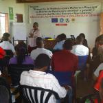 Momento de una conferencia realizada para público joven sobre violencia de género