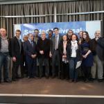 Pedro Sánchez, Gaspar Llamazares y Toni Cantó, entre otros representantes de doce partidos políticos refrendan su compromiso con la Sanidad Universal.