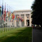 Vista frontal del edificio de la Sede de Naciones Unidas en Ginebra