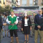 Acto simbólico de la Alianza Robin Hood en Madrid con una activista disfrazada de Elena Salgado.