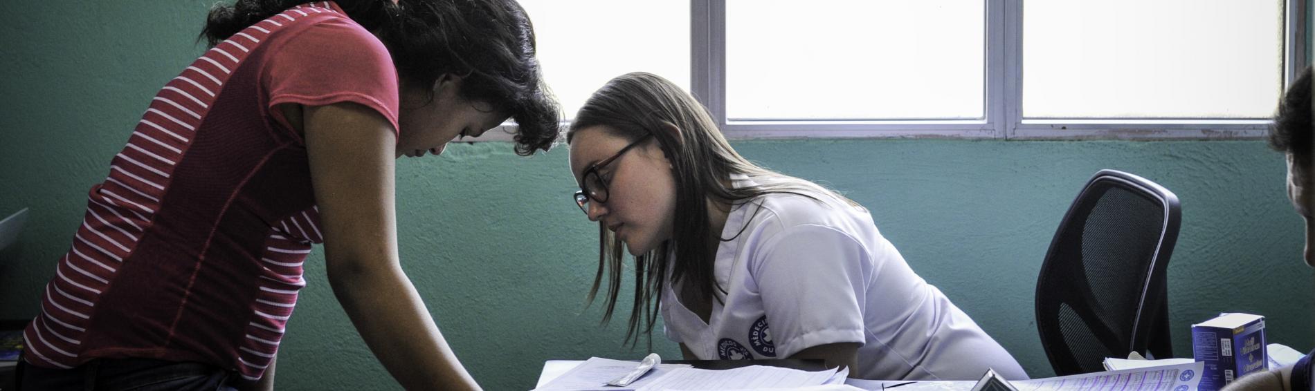 imagen de una intervención psicosocial en Guatemala por personal de Médicos del Mundo