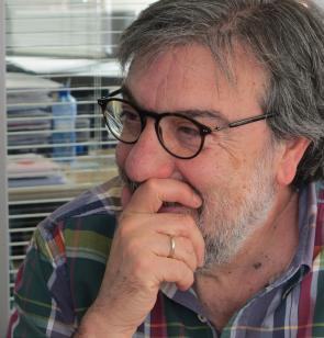 Miguel Ángel Villena es periodista y escritor